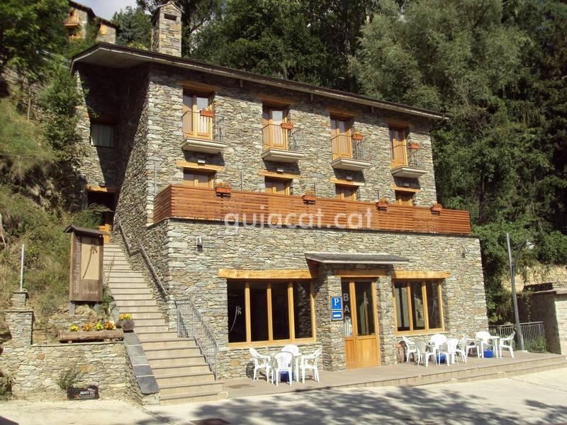 Hostal restaurante les roquetes queralbs - Casa rural queralbs ...